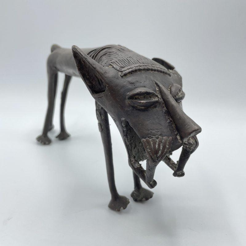 sculpture lion bronze afrique benin