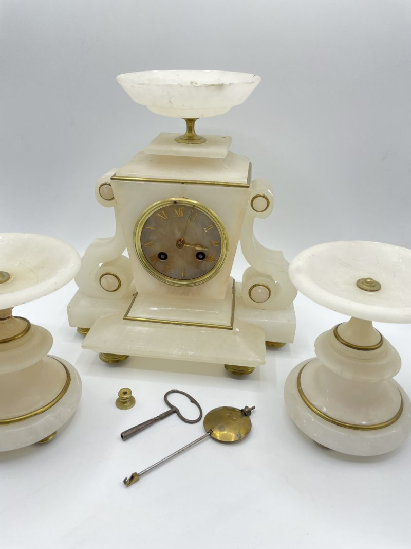 garniture cheminee horloge pendule ancien marbre blanc