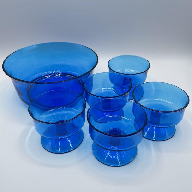 service salade fruit vintage verre bleu