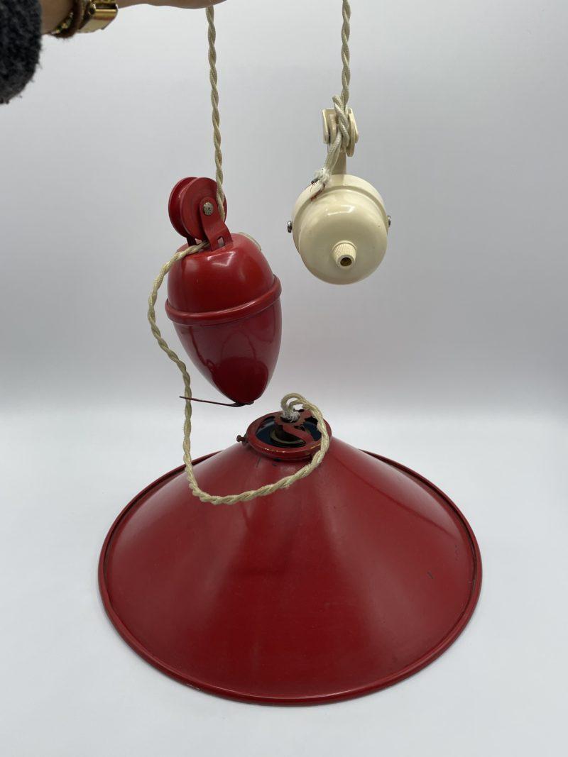 suspension lustre poulie contrepoids vintage rouge