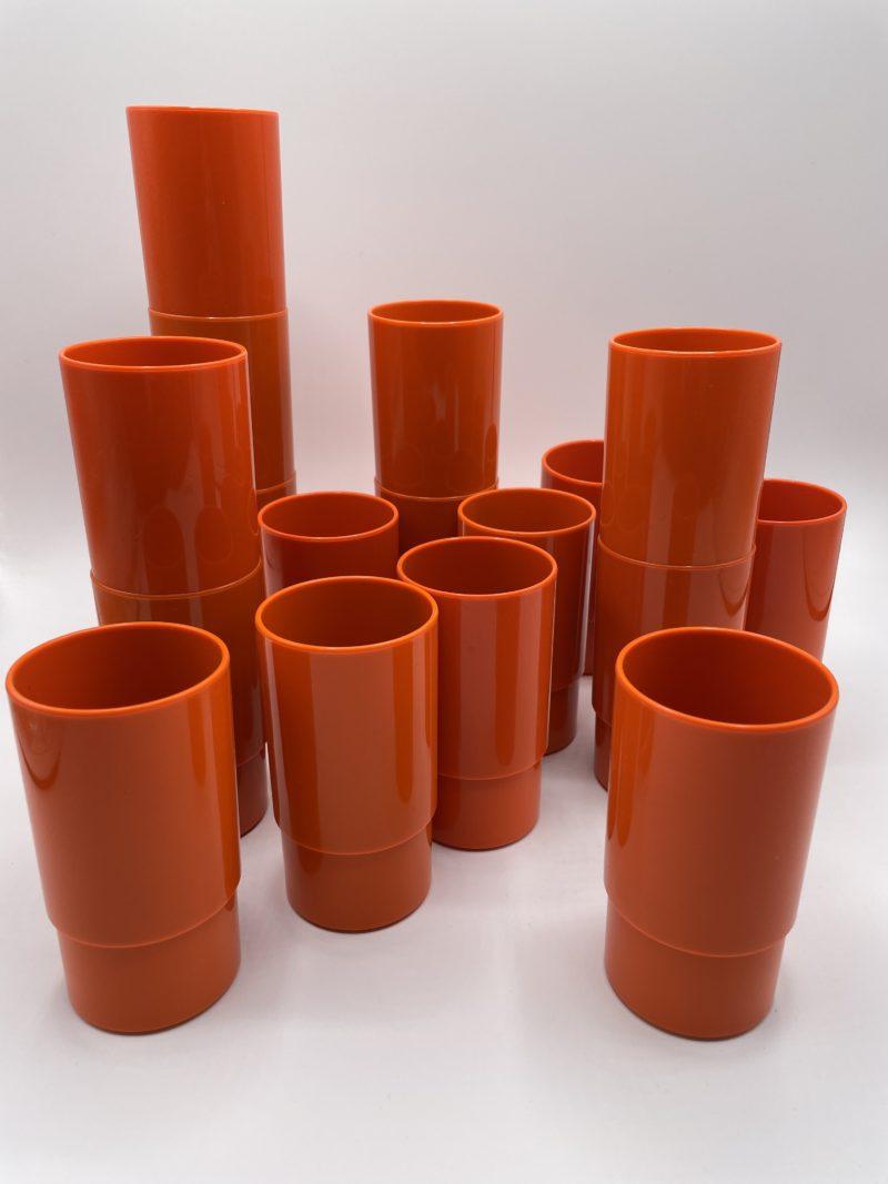 verre plastique pop orange vintage